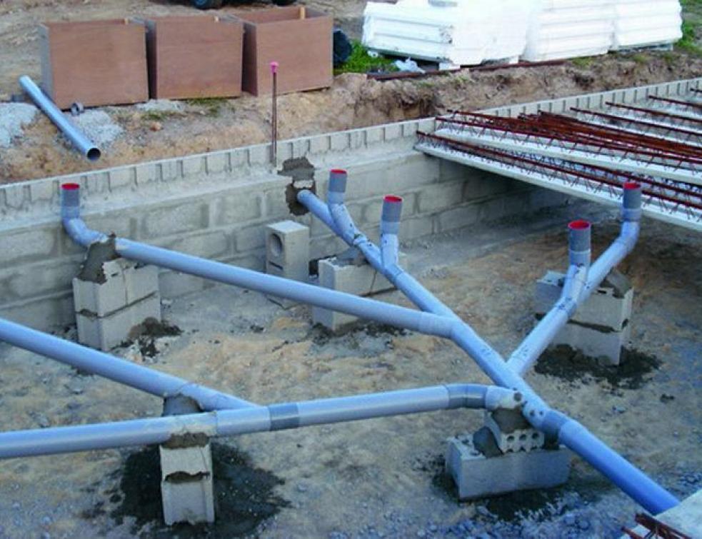 La création de la plomberie extérieure.